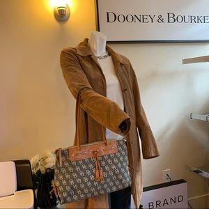 Dooney & Bourke Tote
